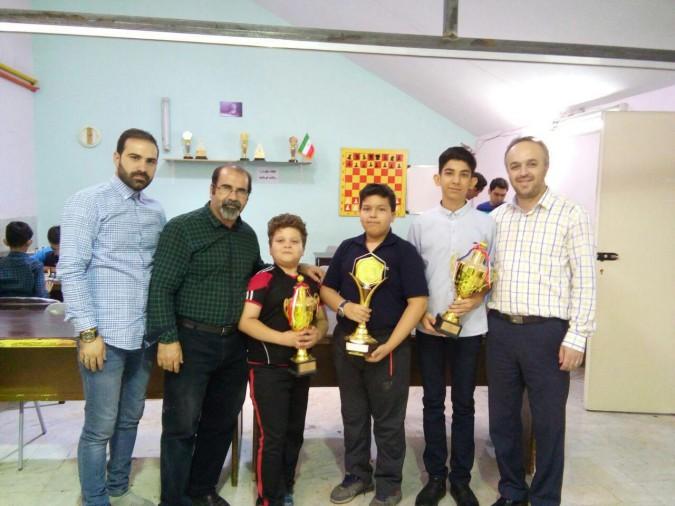قهرمانی تیم شطرنج پسران شهریار در مسابقات المپیاد آینده سازان منطقه 3