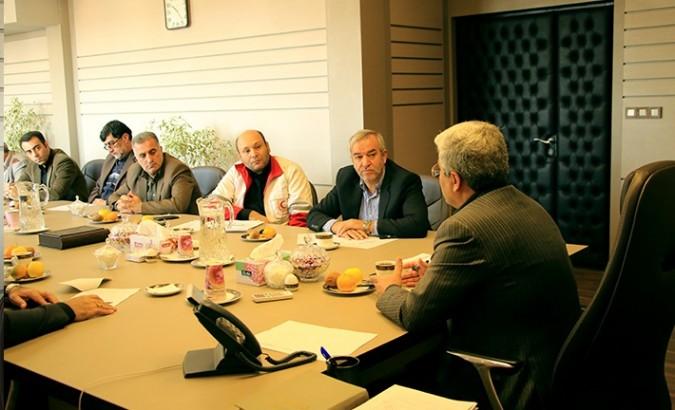 جلسه ویژه بررسی نحوه کمک رسانی به مناطق زلزله زده
