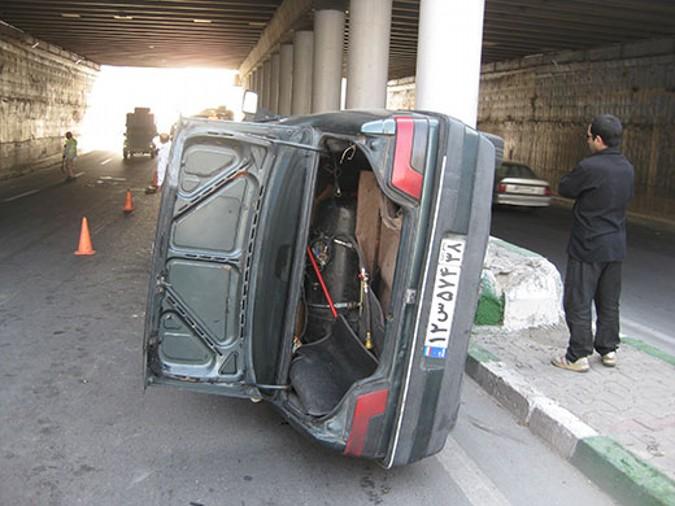 واژگونی یکدستگاه خودرو پژو 405 در شهریار یک مصدوم برجای گذاشت