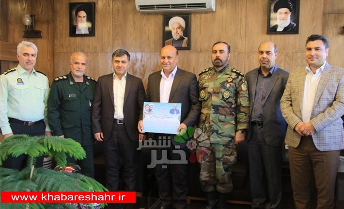 تجلیل شورای تامین شهرستان شهریار از طاهری همزمان با هفته دولت