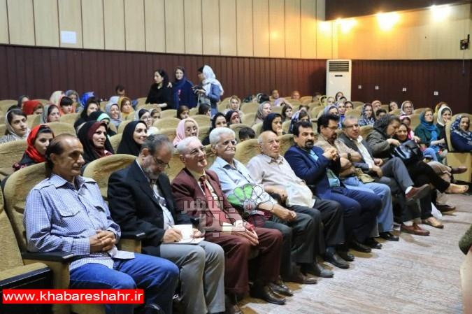 مراسم تجلیل ازخبرنگاران وفعالان عرصه داستان نویسی در شهریار برگزار شد