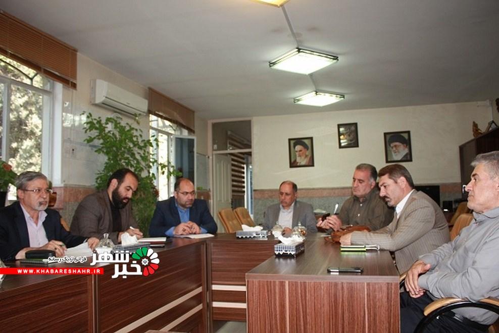 برگزاری جلسه انجمن کتابخانه ها ی شهر وحیدیه