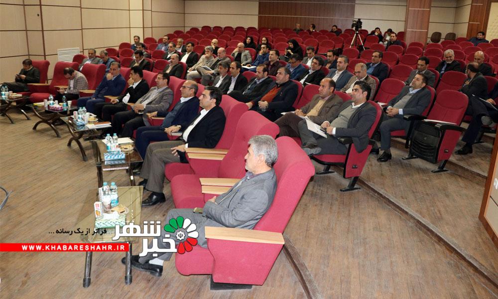 هم اکنون در شهر وحیدیه همایش شهرداریان استان تهران در حال برگزاری است