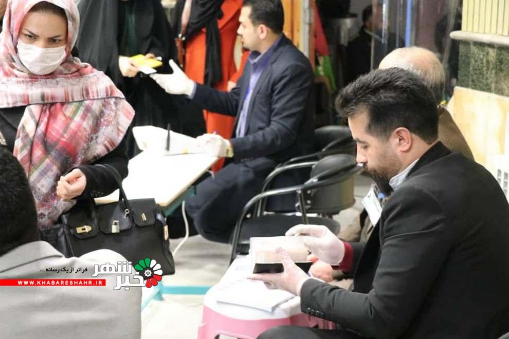 گزارش تصویری از مردم شهر قدس در پای صندوق های رای