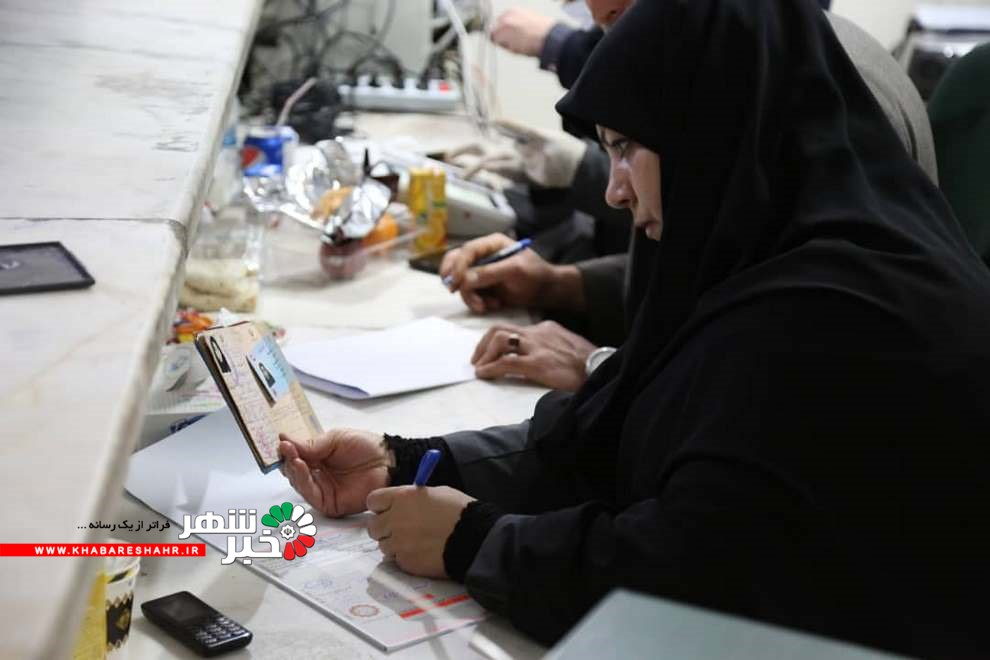 گزارش تصویری از مردم شاهد شهر به پای صندوق های رای