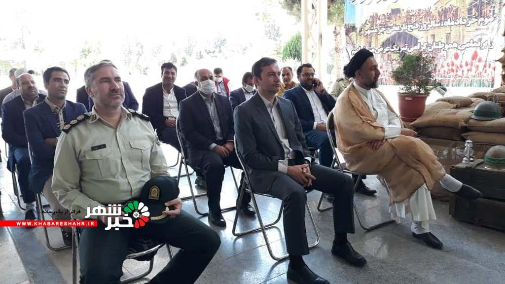 مراسم گلباران مزارشهداهمزمان باسالروزآزادسازی خرمشهر در گلزار شهدای شهر ملارد