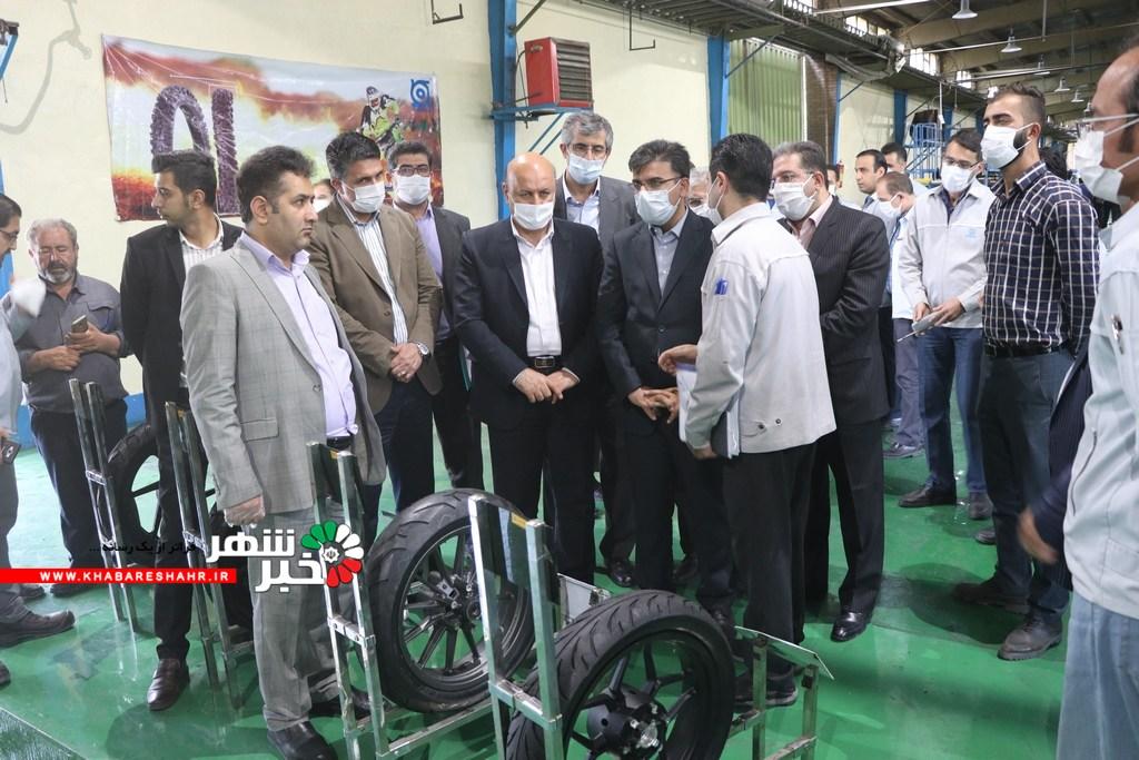 عسگری معاون هماهنگی امور اقتصادی استانداری تهران از کارخانه شرکت ایران یاسا بازدید کردند + گزارش تصویری