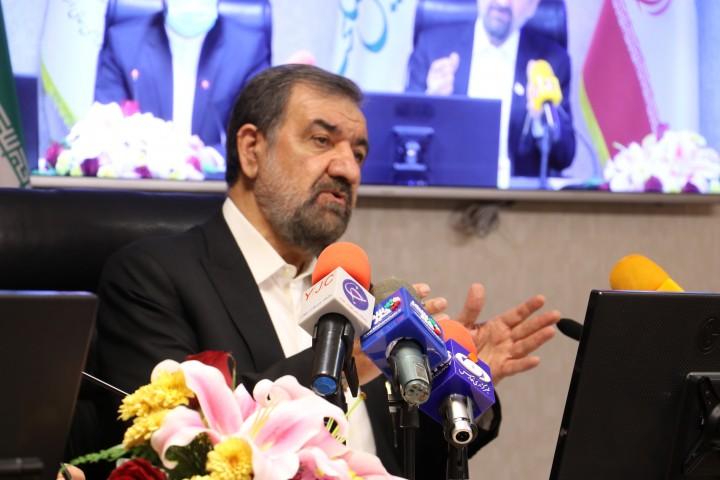 دکتر محسن رضایی با بیان اینکه برنامه هفتم توسعه در دست تدوین است گفت: پیشنهاد من این است که شوراها در این مدت باقی مانده نظرات و پیشنهادات خود را برای بهبود این برنامه و افزایش نقش شوراها ارائه کنند.