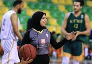 المپیک توکیو| قضاوت نخستین داور مسلمان زن در بسکتبال